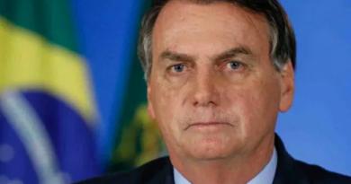 Celso de Mello arquiva pedido para apreender celular de Bolsonaro